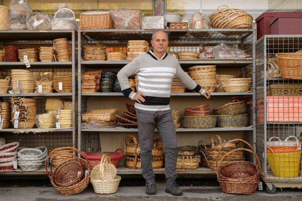 """""""Viva la Bolognina"""": volti e botteghe del quartiere di periferia a Bologna"""
