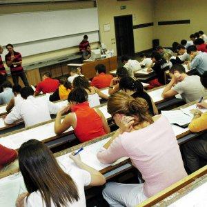 Ateneo di bologna test di ingresso on line anche a for Test scienze politiche