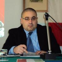 Reggiolo, consiglio comunale vota contro il fascismo: in aula entrano 40 teste rasate