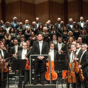 Bologna, al Teatro Comunale torna la musica sinfonica