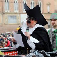 In piazza il carnevale dei bambini