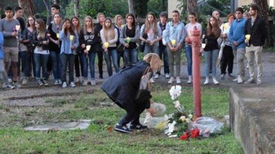 Forlì, 16enne si suicidò a scuola: i pm chiedono il processo per i genitori