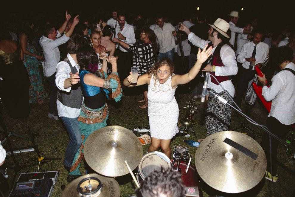 Non snobbate i fotografi di matrimoni: una mostra sfata i tabù