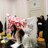 Bologna, il Cua irrompe a Scienze politiche e contesta Panebianco
