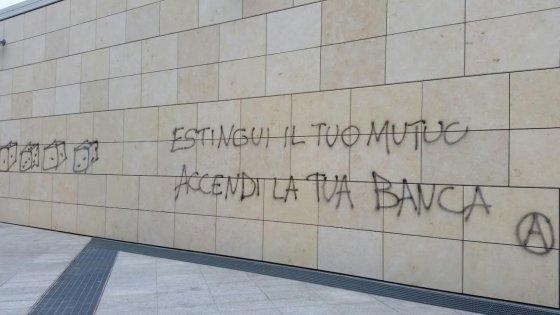 Bologna, imbrattato il memoriale della Shoah - la Repubblica