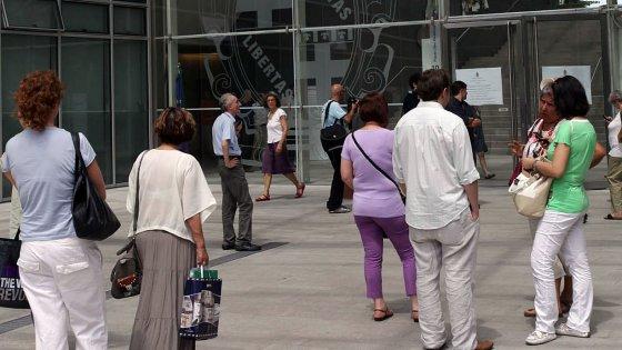 Bologna, il Comune si fa benedire per Pasqua: l'ira di Cgil e atei