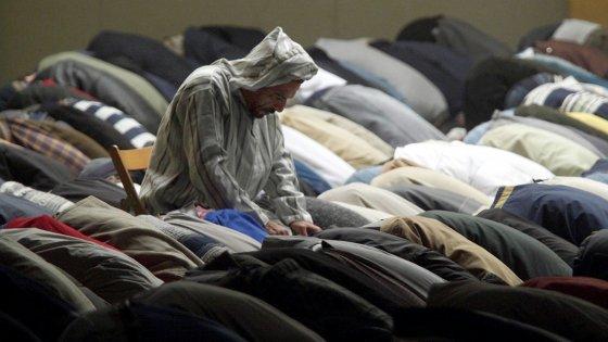 """Una grande moschea a Bologna? I musulmani: """"È prematura"""""""