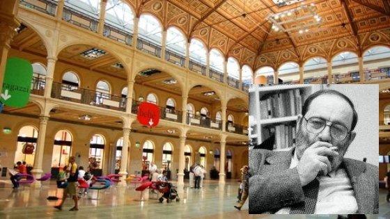 Bologna, la piazza coperta della biblioteca Salaborsa sarà intitolata a Eco