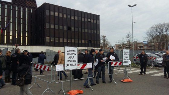 """Reggio Emilia, maxi-processo contro la 'ndrangheta: """"Cercò patti con politica"""""""