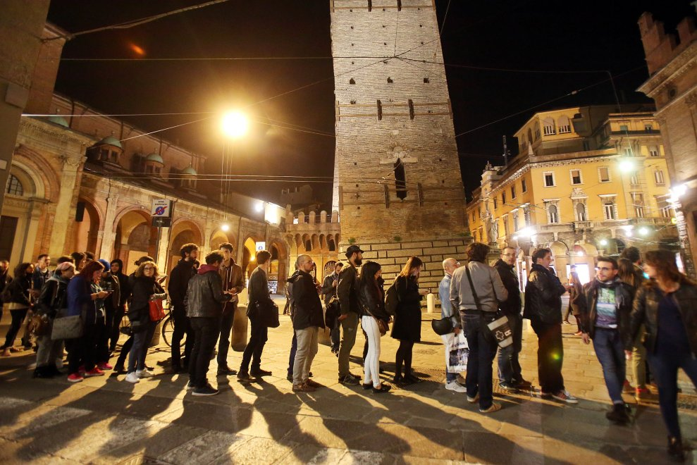 Bologna, tutti in coda di notte per il nuovo libro di Zerocalcare
