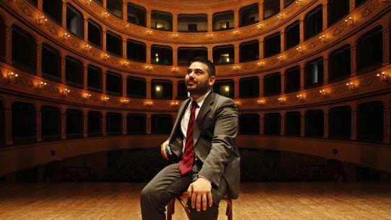"""Il giovane sindaco che triplica i fondi alla cultura: """"Il teatro di Lugo è la mia Scala"""""""