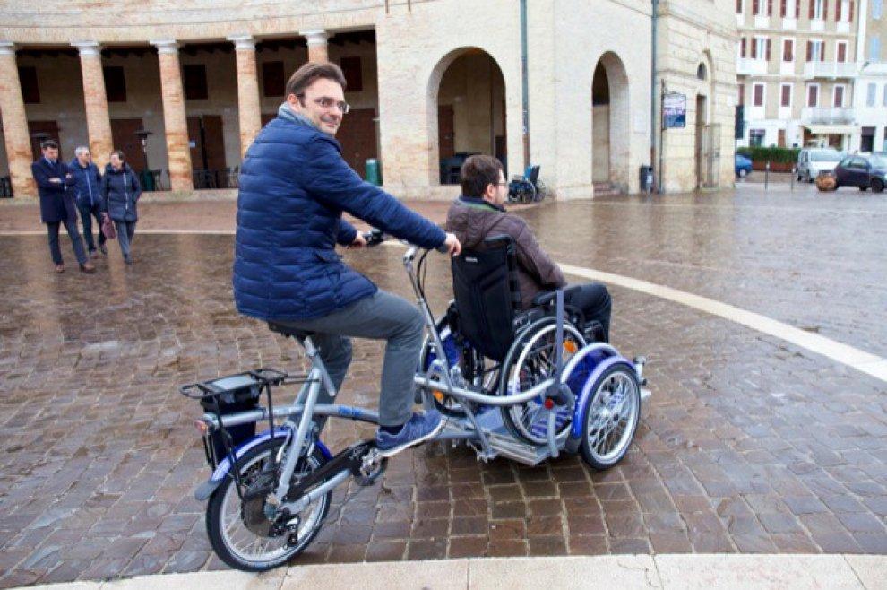 A Bologna arriva Aspasso, la bicicletta noleggiabile dai disabili