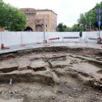 Bologna, scoperta una banlieue medievale nel giardino di Porta San Donato (foto)