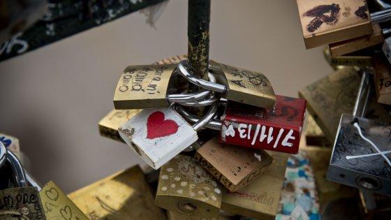 Dall'Iran arriva l'app per curare il mal d'amore
