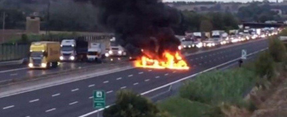 Cesena, commando assalta portavalori e fugge, spari sull'A14: nessun ferito