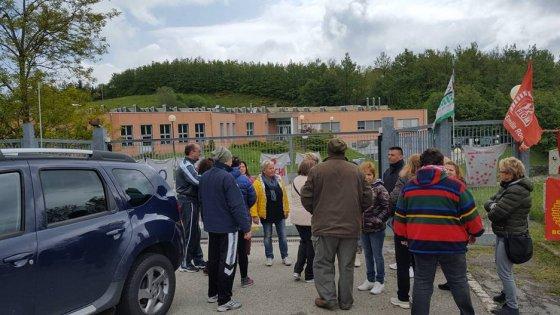 Bologna, alta tensione alla Stampi Group: i lavoratori bloccano il commissario