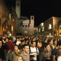 Bologna, scattano le ordinanze anti-alcol e anti-vetro