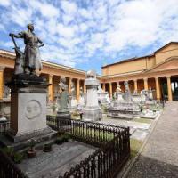 Visite guidate e spettacoli: la Certosa di Bologna da scoprire in estate