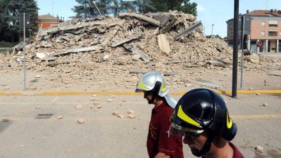 Modena, cemento depotenziato usato per la ricostruzione post sisma: 15 indagati