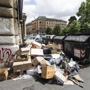 Modena, inchiesta della Dda sul traffico di 125mila tonnelate di rifiuti