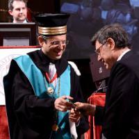 Accusato di plagio, diventa professore emerito: polemica all'Ateneo di Bologna