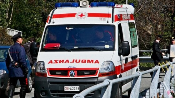 Ravenna, muore annegato per salvare il figlio