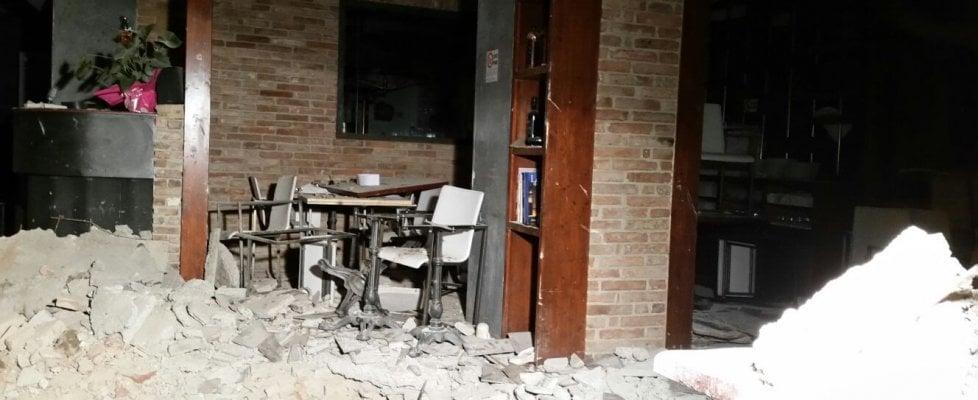 Bologna, esplosione in un ristorante del centro: otto feriti
