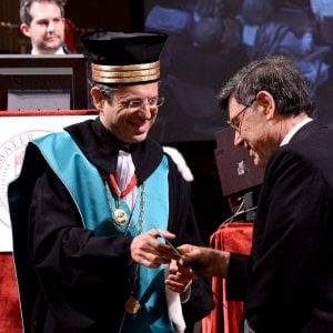Ateneo di Bologna, ex laureati contro il titolo di emerito al loro prof