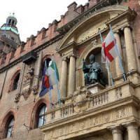 Bologna, ultime ore ad alta tensione per la giunta Merola