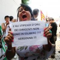Bologna, protestano i lavoratori ma la Fiera non arretra: