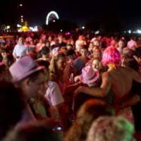 Riviera romagnola da tutto esaurito: la Notte rosa si fa in tre