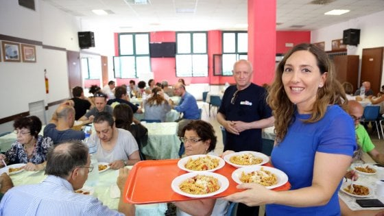 Bologna Festeggia Il Primo Compleanno Delle Cucine Popolari