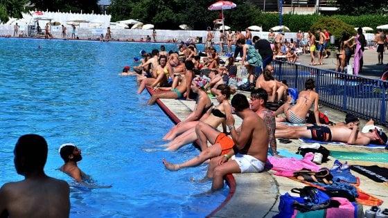 Rimini bimbo di 18 mesi cade in piscina subito rianimato - Piscine usate subito it ...