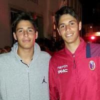 Bologna, i gemelli calciatori in ritiro