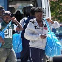 Migranti, il sindaco Pd di Modena ad Alfano: