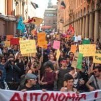 Unioni gay, gaffe del Comune di Bologna: prime nozze saltano per la privacy