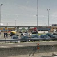 Camionista ucciso con una coltellata in un autogrill nel Piacentino