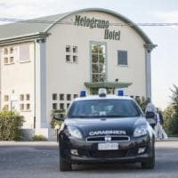 Bologna, donna massacrata a coltellate in albergo