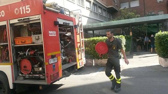 Tre condizionatori a fuoco, incendio in condominio a Porta Mascarella