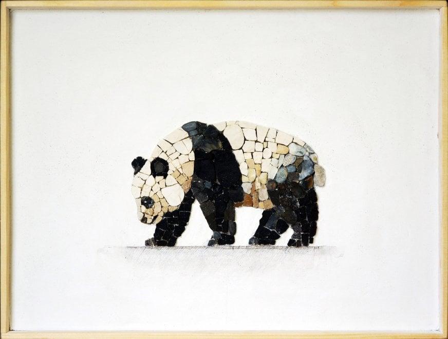 Sassi, matite e cemento: gli animali sono un mosaico