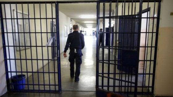 Vasto: arrestato agente di polizia penitenziaria accusato di stalking