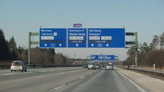 """""""Traffico di migranti"""": tassista bolognese fermato dalla polizia tedesca"""