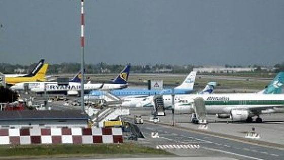 Bologna, chiuso l'aeroporto