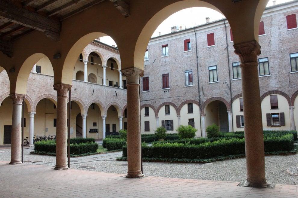 Alla Scoperta Dei Giardini Privati Nel Cuore Di Ferrara