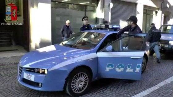 Sequestra la moglie e il figlio e si dà alla fuga: arrestato a Perugia
