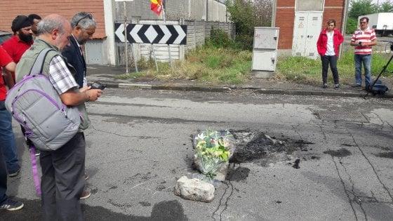 """Piacenza, l'ira dei facchini: """"Cosi hanno ammazzato Salam"""""""