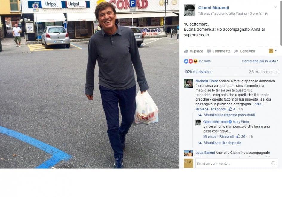 """Morandi e la spesa di domenica, i fan: """"Vergogna, pensa ai lavoratori"""". Ironia sul viaggio in treno..."""