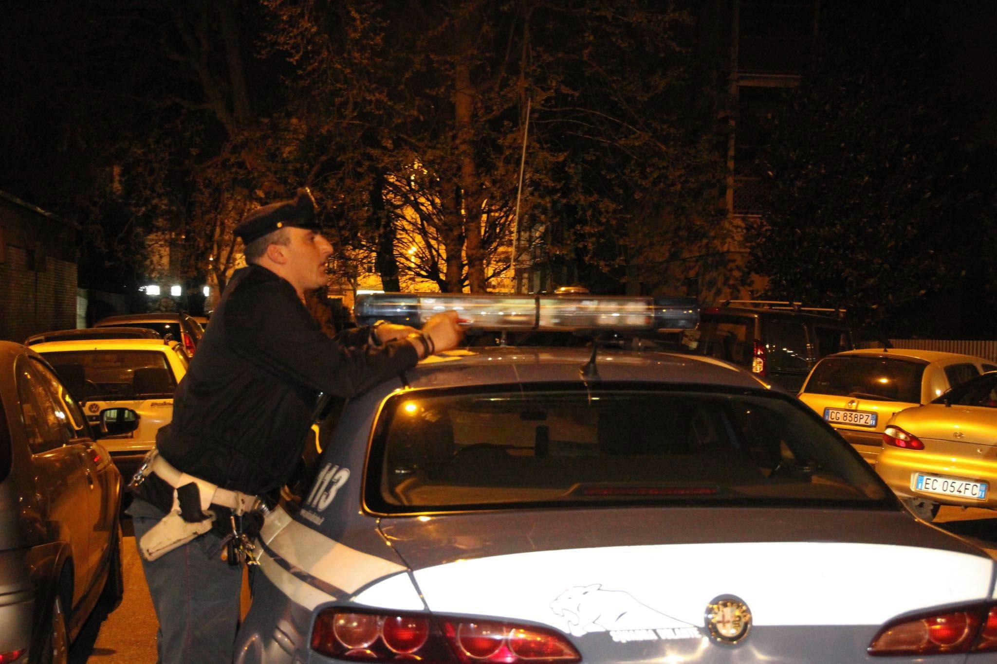 Ravenna, cadavere donna trovato in casa: probabile omicidio