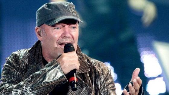 Vasco Rossi contro Salvini, lasciate stare le mie canzoni