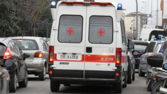 In moto contro un camion: 16enne muore nel Bolognese